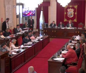 El pleno del Ayuntamiento de Málaga apoya el hotel de la Torre del Puerto