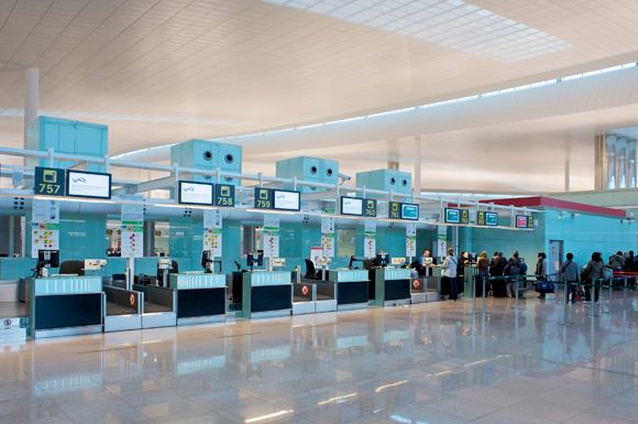 Cada vez más españoles deciden viajar sin equipaje