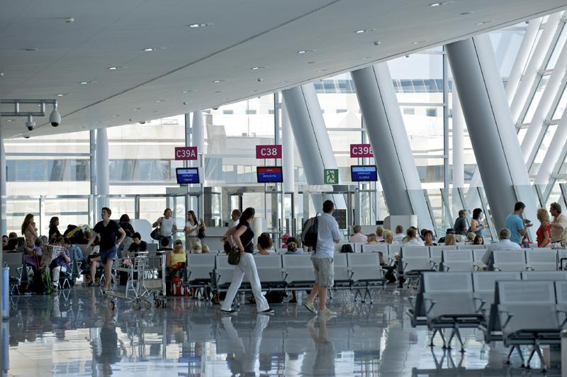 Los aeropuertos cierran el semestre con cifras récord