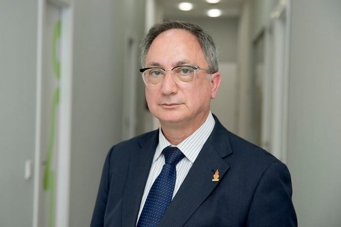La Asociación Española de Directores de Hotel recibe el galardón de CEHAT