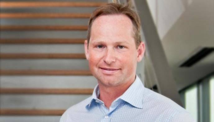Mark Okerstrom, nuevo consejero delegado de Expedia