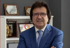 Luis Mata cede el testigo a Luis Ortiz de Vallejuelo