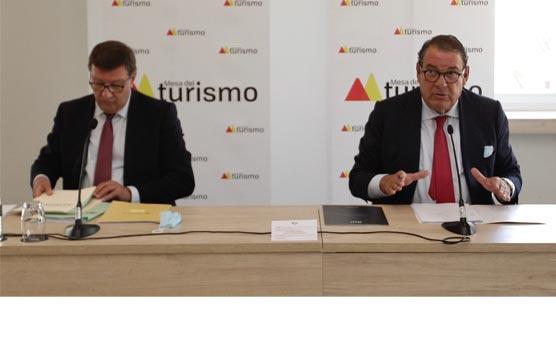 La Mesa del Turismo propone reducir el IVA al 7% para todos los subsectores