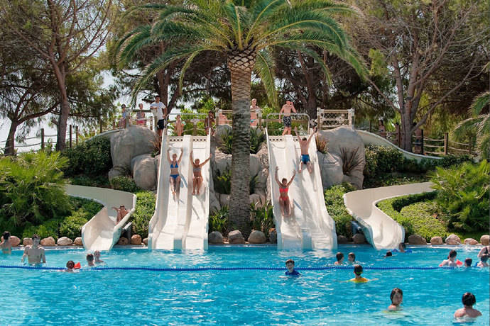 Playa Montroig se postula como destino turístico sano
