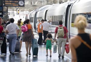 Votan a favor de imponer nuevas cargas a las agencias que vendan billetes de tren