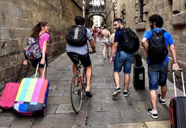 La falta de ingresos, motivo de la caída de los viajes