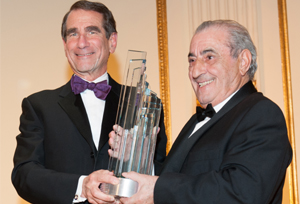 El presidente de Globalia, Juan Jos� Hidalgo, recibe el Business Leader of the Year