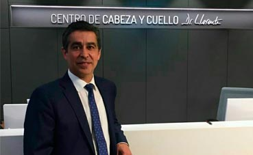 Oviedo Congresos reconoce la labor de Santiago Llorente