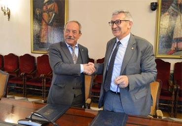 El Ayuntamiento y la Universidad de Oviedo renuevan su colaboración