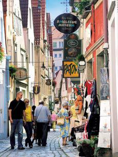 Los pagos por Turismo aumentan un 15,2% en los dos primeros meses del año.