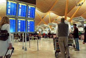 Los pagos de los españoles para viajar al extranjero se disparan un 21% hasta mayo