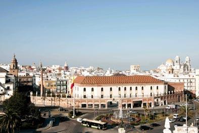 Carlos García asume la presidencia de los palacios españoles