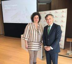 Elena Navarro y Ramón Vidal en la presentación de la Memoria de Actividad de 2019 del Palacio de Congresos de Palma.