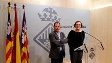 Josep Mallol y Joana Maria Adrover en rueda de prensa.