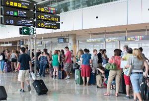 La llegada de turistas con viaje combinado batirá este año la cifra histórica de 2001
