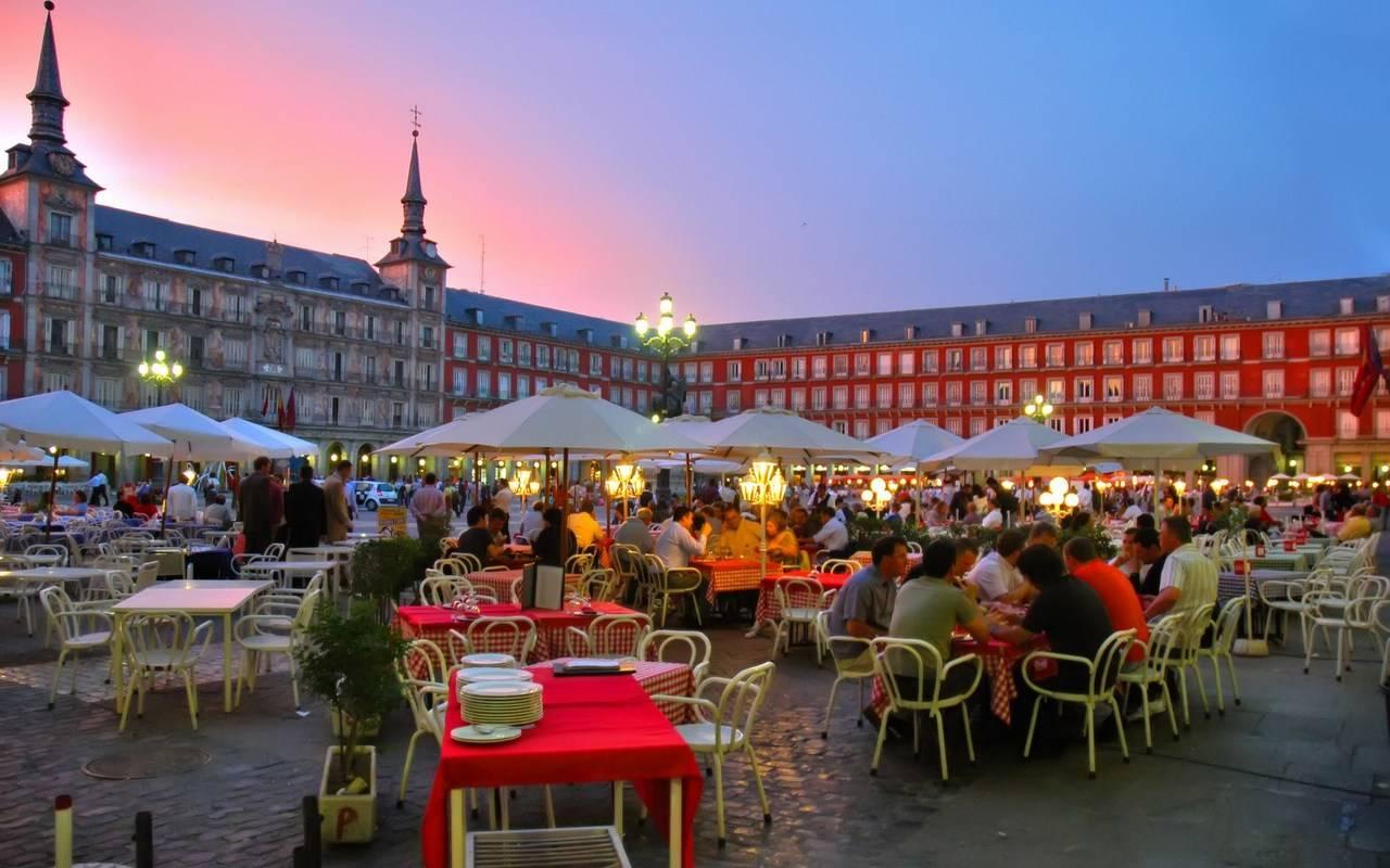Los madrileños, los que más viajarán este otoño