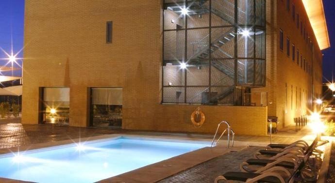 El hotel Posadas de España Málaga estrena piscina