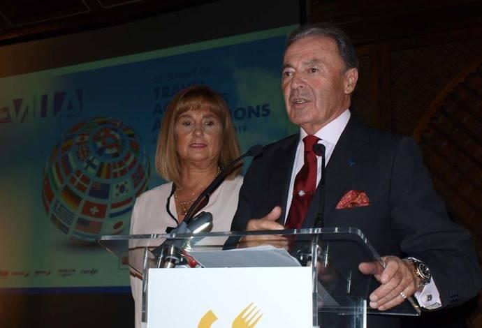 CEAV entrega sus premios a José Luis Prieto y Paradores