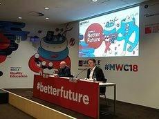 John Hoffman y Michael O'Hara durante la presentación del MWC 2018.