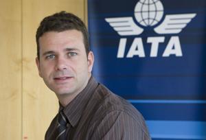 IATA despide a Javier Valdés y elimina el cargo de director general para España