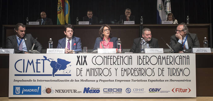 <div style='text-align: center;'>Los destinos de Iberoamérica ofrecen 'estabilidad económica y seguridad jurídica' a inversores</div>