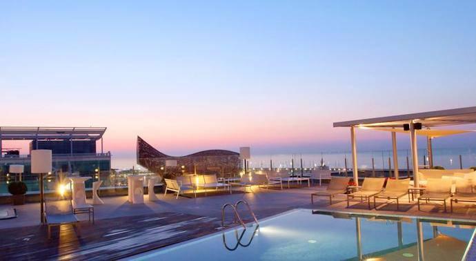 El hotel Pullman Barcelona recibe un premio por su