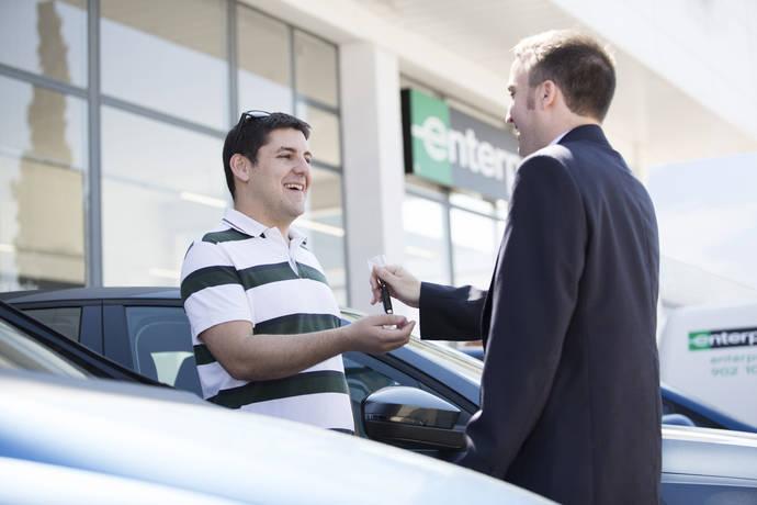 Guerra de precios en el sector del 'rent a car' en España
