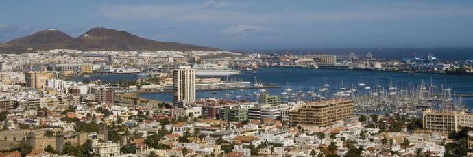 Los españoles optan más por destinos de playa que en 2015