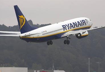 ACAVE amenaza con querellarse contra Ryanair