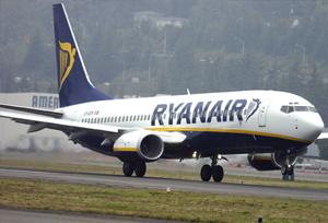 Ryanair insta a los sindicatos españoles a desconvocar la huelgas de septiembre