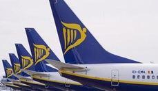 Tres aerolíneas se reparten el tráfico 'low cost' en el mercado español
