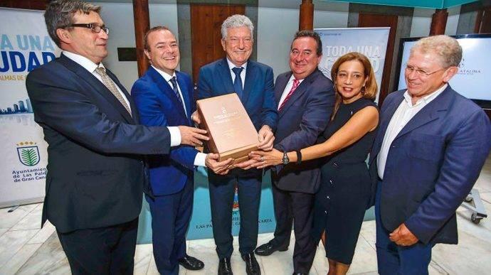 Barceló Hotels formaliza el contrato del Santa Catalina