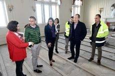 Los responsables municipales en su visita a las obras del Palacio de la Magdalena.