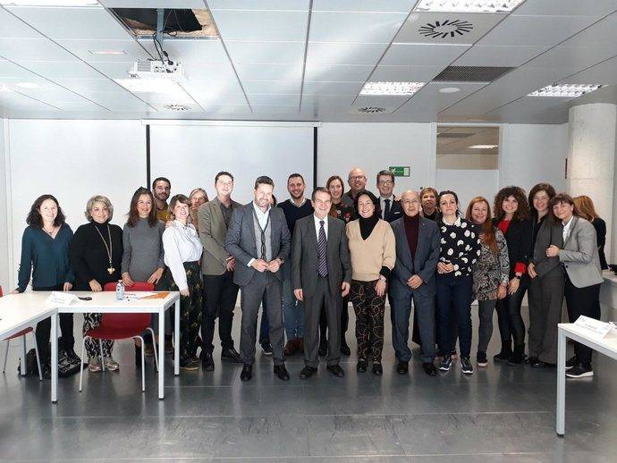 Los representantes de los Conventions Bureau junto al alcalde de Vigo, Abel Caballero.
