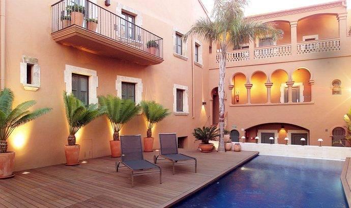 Cinco hoteles en lugares insólitos de España