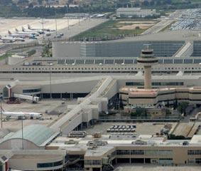 El sector aéreo insiste en realizar tests a los viajeros