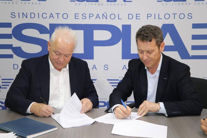 Sepla y Ryanair firman la paz tras meses de conflicto