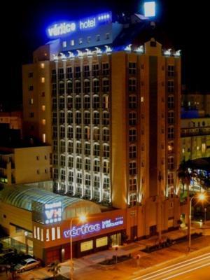 Los hoteles sevillanos abren el summer hotel time nexotur for Apartamentos para vacaciones en sevilla