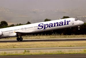 La administración de Spanair exige a 26 agencias el pago de billetes no utilizados
