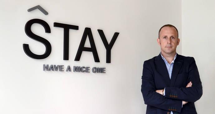 Stay presenta un 'chatbot' para clientes de hoteles en la sede de AEDH