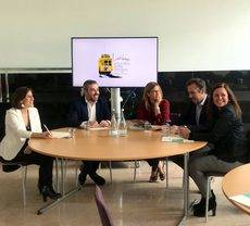 Julia Franch (en el medio) en la presentación del Encuentro entre Amigos 2019.