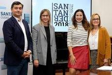 En el centro, Julia Franch y Miriam Díaz, junto a Eduardo García y Asunción Díaz, de Viajes Sanander y Viajes Altamira, respectivamente, que han colaborado en la organización del Encuentro entre Amigos.