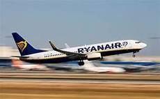 La aerolínea Ryanair anuncia 21 nuevas rutas para el próximo invierno