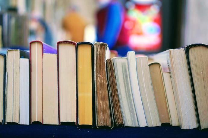 UNAV propone un viaje a través de 12 rutas literarias