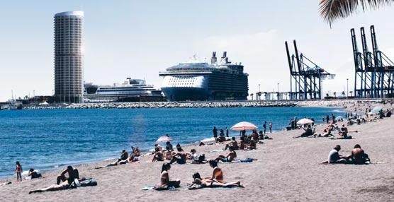 Los empresarios apoyan el hotel Torre del Puerto por su aportación económica