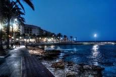 La renta media por hogar en Torrevieja es de 13.977 euros, la más baja de España.