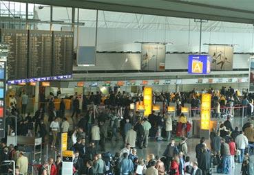 España recuperó en agosto el 74% de los vuelos del año 2019