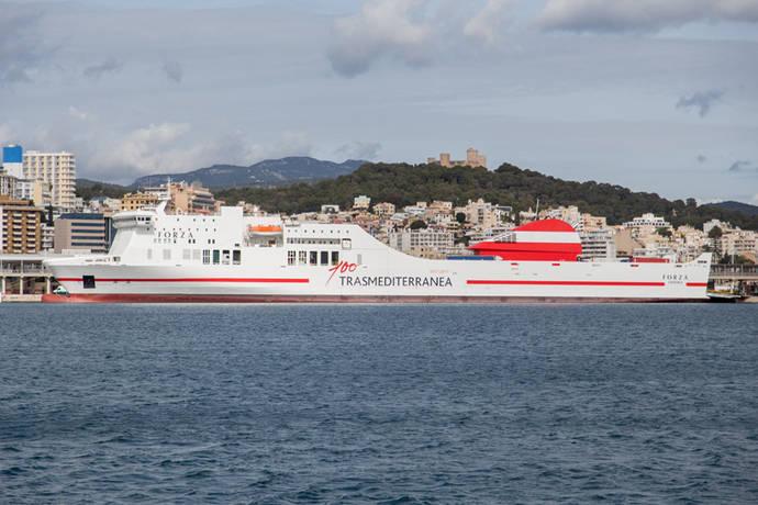 Trasmediterranea oferta 730.000 plazas a Baleares