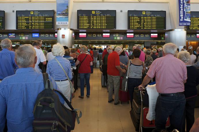 La industria de los viajes pierde 54.600 millones por las interrupciones de vuelos