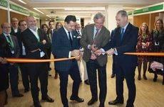 El corte de cinta ha corrido a cargo del presidente de UNAV, Carlos Garrido.